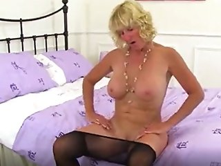 English mums in tights part 5